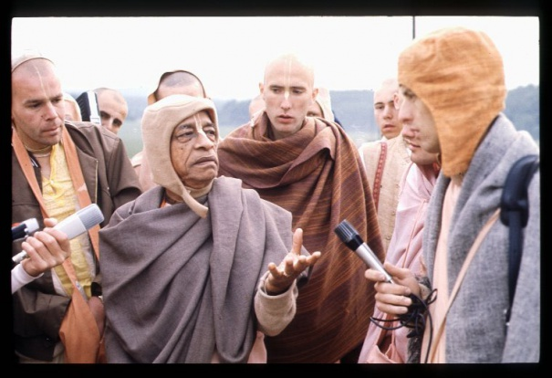 Srila Prabhupada answering questions